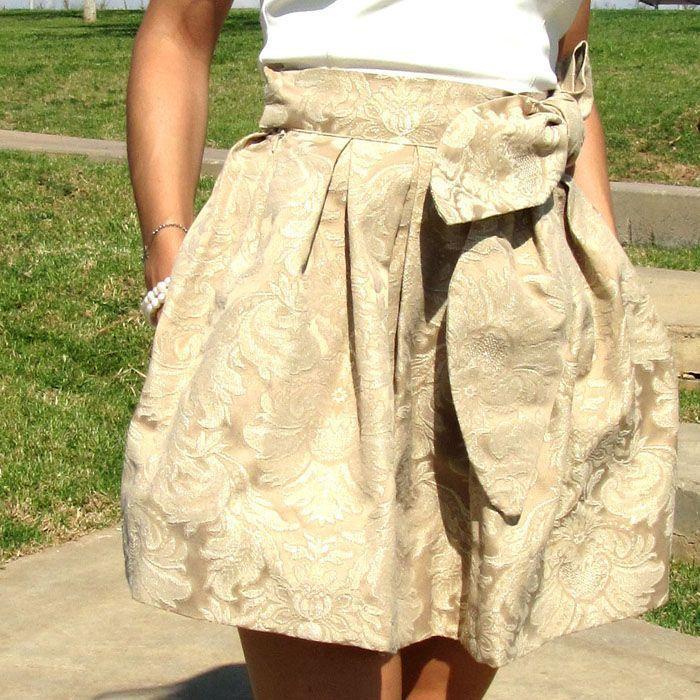 Tutorial que muestra el paso a paso para confeccionar una falda brocada sin usar patrón                                                                                                                                                     Más