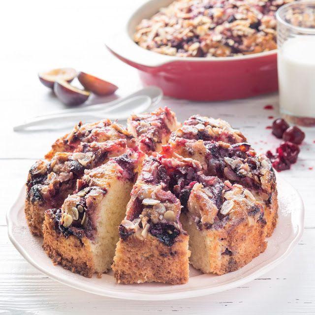 Anybenyraba: молочный пирог с вишней, венгерской сливой и ореха...