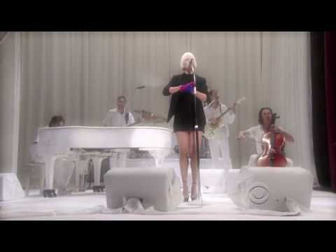 Sia - Soon We'll Be Found LIVE on David Letterman 11-13-08 LOVE THIS WOMEN SHE IS BRILLIANT!!!!!