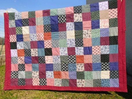 Couvre-lit Patchwork fait main couvre-lit en patchwork, réalisé avec du tissu Laura Ashley. Coton sur les deux faces, à l'intérieur: ouate de coton. L:200cm x l:182cm Poids: 1kg400