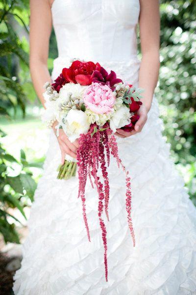 Bouquets & Boutonnières : la passion du rouge. - La Mariée en Colère Blog Mariage, grossesse, voyage de noces
