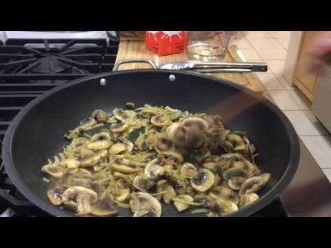 Pork Chops com Cogumelos.em Molho de Natas - YouTube