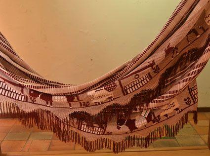 Chinchorro wayúu tejido por artesanos en la Guajira. Cómpralo en #MambeShop con el 35% de descuento! (Cra. 5 No. 117-25- Usaquén)
