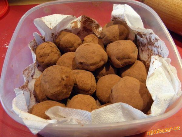 Piškotové brambůrky s marcipánem jednoduchý recept