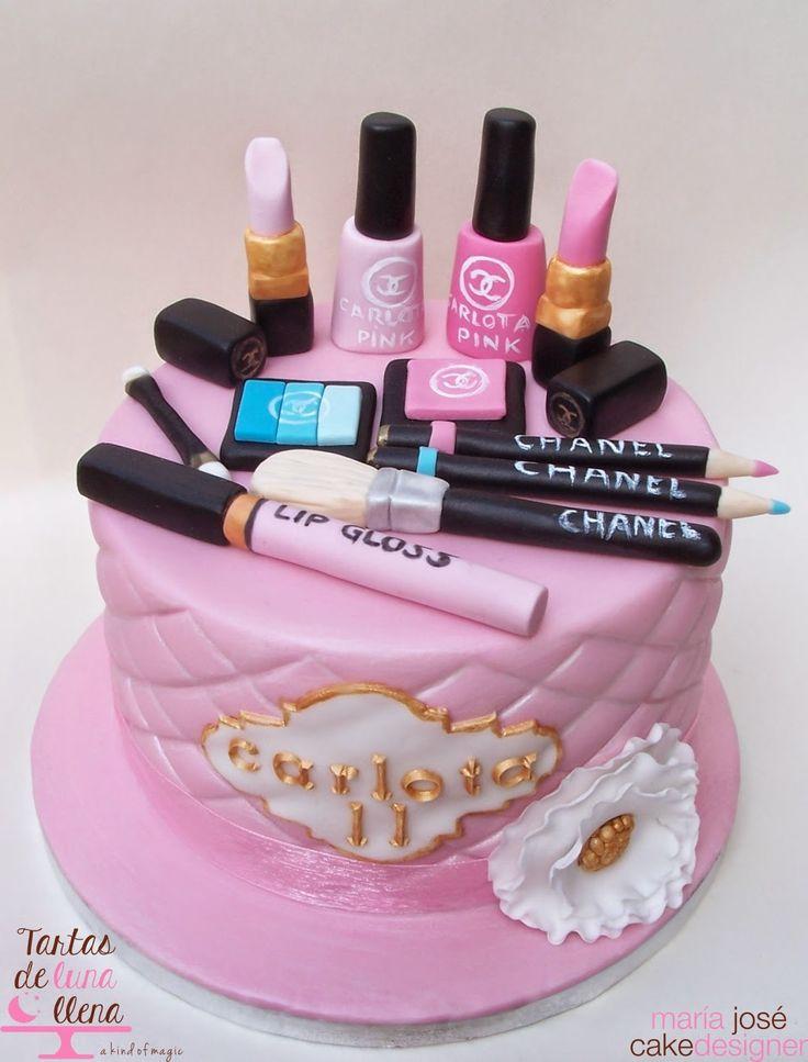 Make up cake. Tarta de Maquillaje Chanel. Gâteau maquillage.