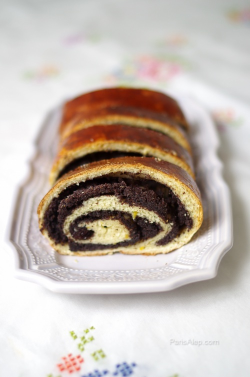 The best poppy seed beigli photo I could find. Roulé au pavot