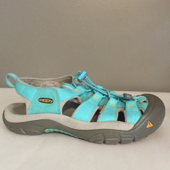 ⚠️ Perfect Women's Sports Sandal KEEN CNX SZ 9❤️❤️ ❤️ Perfect Hiking and Water Proof Sandal, KEEN CNX worn a few times but always go for my Teva's❤️ Washable, Back and Tongue Pull loops, Contoured Arch Support, Bungee Secure-Fit lace. Retail $100❤️❤️ KEEN Shoes Sandals