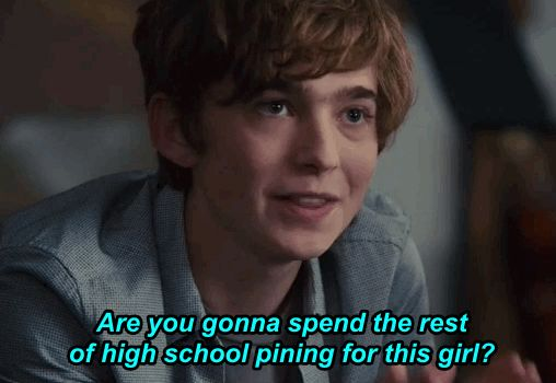 Quentin always admired Margo from afar but never made a move because she was considered popular and he was pinned the loser of the school. Quentin spent all of high school like this but when Margo went missing things seemed to change with Quentin and he decided that finding Margo was the most important thing to him.