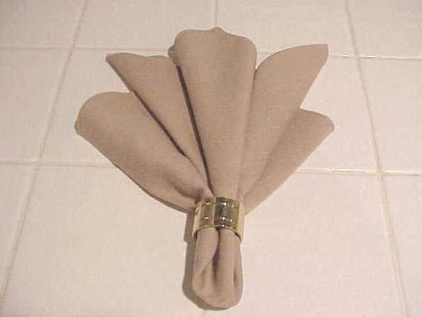 63 best images about napkin fold on pinterest natal for 10 easy table napkin folding