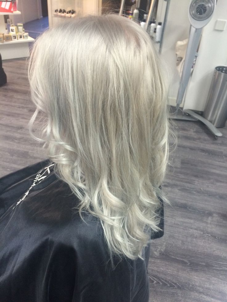 Gorgeous grey by Märta Lindroos.