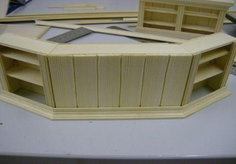 pin von anja pysall auf puppenhaus pinterest theken miniatur und puppenm bel. Black Bedroom Furniture Sets. Home Design Ideas
