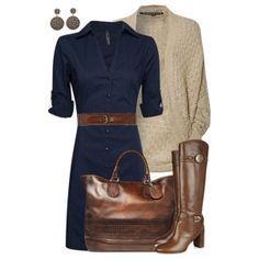 С чем носить коричневые сапоги: темно-синее платье и коричневый ремень