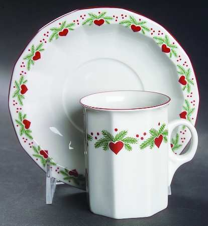 Your Favorite Brands Classic Holiday Patterns Flat Cup & Saucer Set