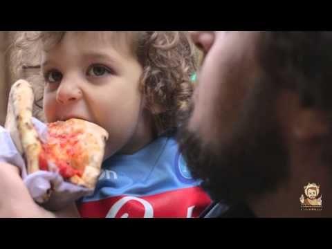 Spot McDonald's vs Pizza: la risposta ironica del popolo napoletano | PU...  W la pizza...orgoglio italiano...#pizza =D