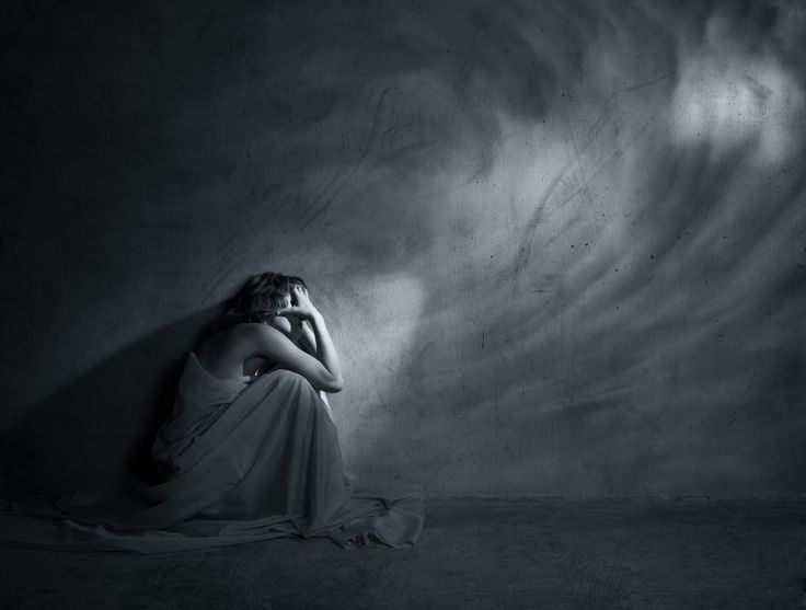 Six-Word Memoirs of Postpartum Depression: Life would be better without me. /sniff