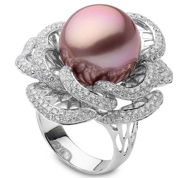 Yoko London Radiant Orchid pearl flower ring