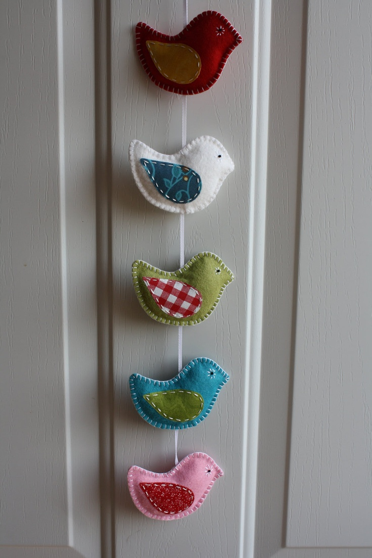 Hanging Bird Mobile / Door Decoration via Etsy.