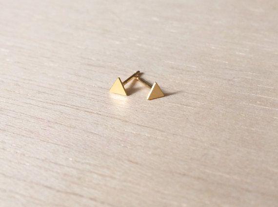 Pendientes triángulo mini, pendientes pequeños, pendientes geométricos, pendientes baño oro, pendientes mini, pendientes minimalistas