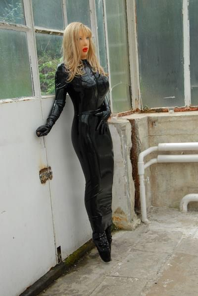 Nice rubberdoll in hobbleskirt and ballet boots | dresses ...