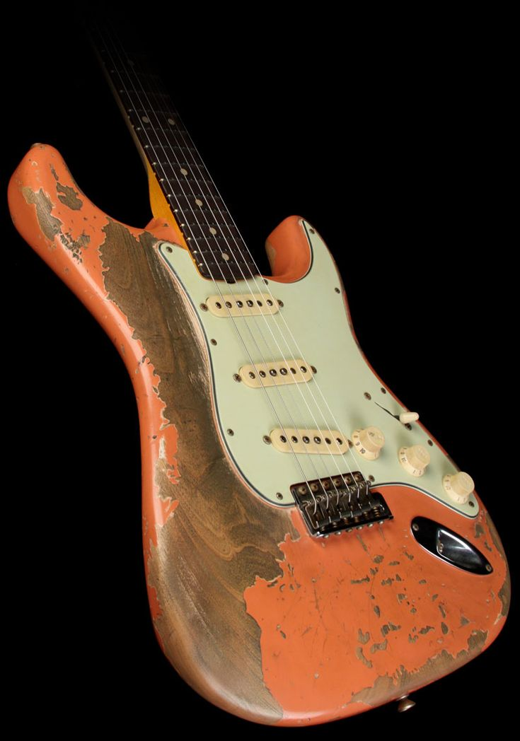 Fender Custom Shop Exclusive Masterbuilt '62 Stratocaster Ultimate Relic Electric Guitar Coral Pink - oh man i love them all beat up
