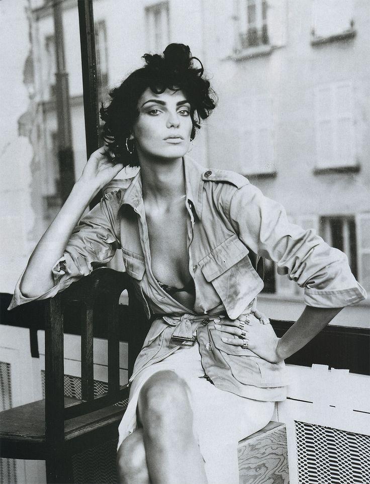 Vogue Paris March 2004 - Daria Werbowy by Paolo Roversi