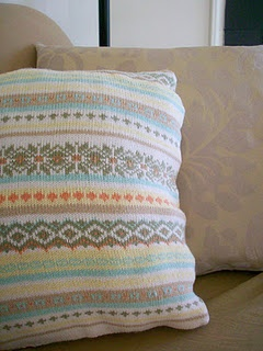 Sweater pillow tutorial - this looks easy enough...: Sweaters Pillows, Crafts Ideas, Pillows Tutorials, Upcycling Diy, Pillows Upcycling, Clever Crafts, Knits Sweaters, Cable Knits, Crafty Ideas