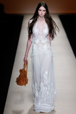 Alberta Ferretti Spring 2015 Ready-to-Wear Fashion Show: Complete Collection - Style.com the look