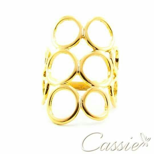 Anel Cerchi folheado a ouro com garantia.  Já conferiu os outros modelos. Baixe em nossa loja o Medidor de Anel.  ╔═════════❤══════════╗  #Cassie #semijoias #acessórios #moda #fashion #estilo #inspiração #tendências #trends #prata #love #pulseirismo #zirconias #folheado #dourado #amor #pingentes #paz #berloques #charms # # #