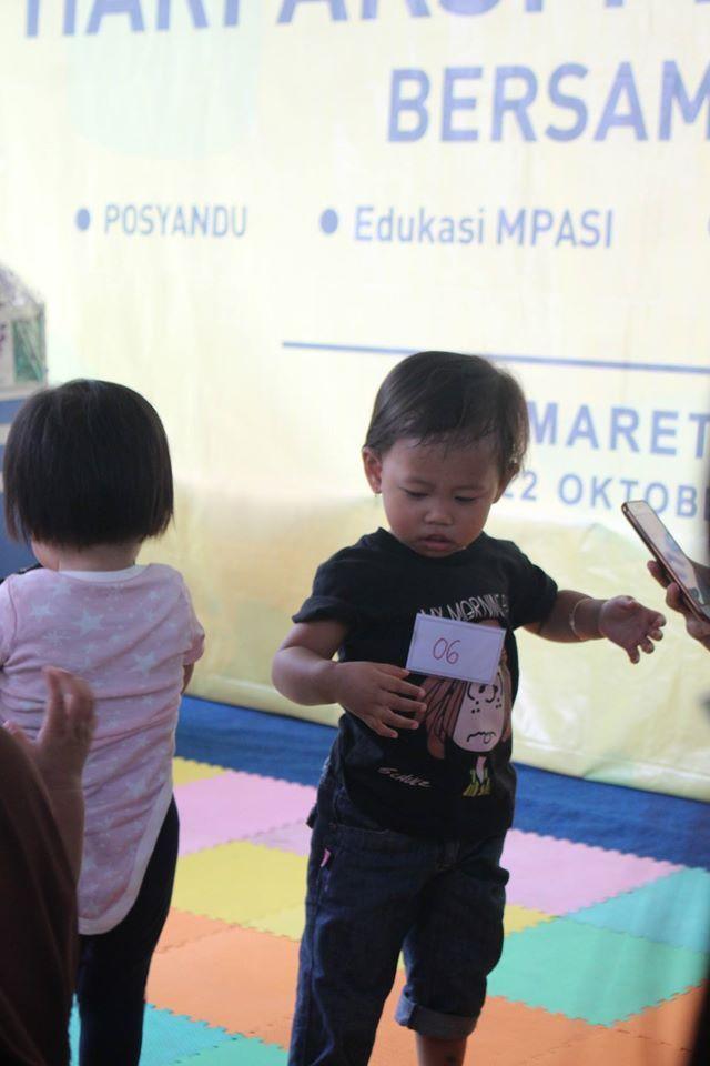 """Kegiatan CSR INDOMARET : """"PEDULI GIZI BALITA 2016 INDOMARET - MILNA"""". Lokasi : Indomaret Gunung Batu 69 Kelurahan Sukaraja Bandung, Sabtu 22 Oktober 2016"""