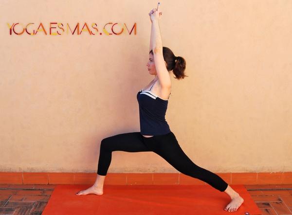 Posturas de yoga: Virabhadrasana I o El Guerrero I  En el enlace podrás ver el paso a paso, los beneficios y las contraindicaciones y precauciones.   Namaste  Naylín