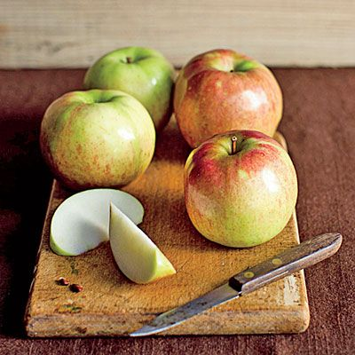 Tasty tricks for leftover apple peels all videos and how to use - Practical uses for the apple peels ...