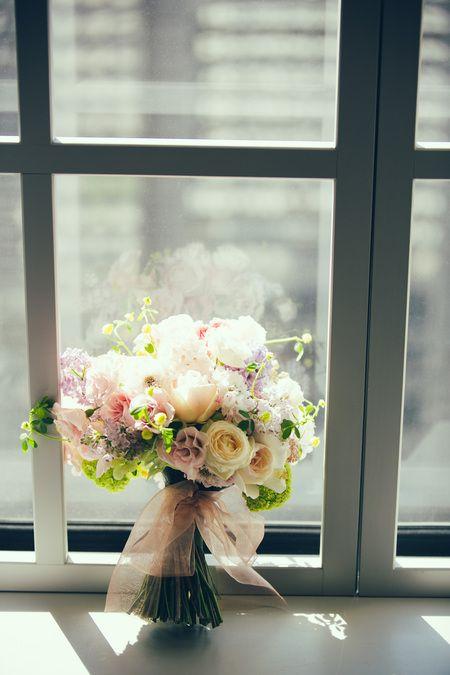 新郎新婦様からのメール クラッチブーケ ホテル京王プラザ様へ : 一会 ウエディングの花