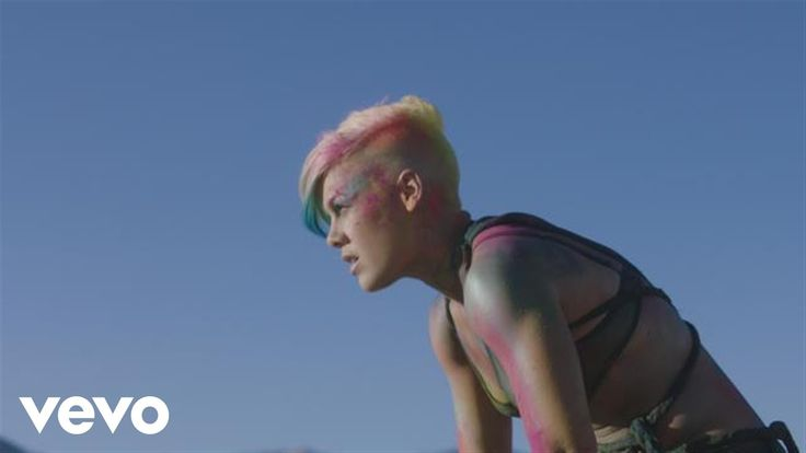 P!nk's official music video for 'Try'. Click to listen to P!nk on Spotify: http://smarturl.it/PSpot?IQid=PinkT As featured on The Truth About Love. Click to ...