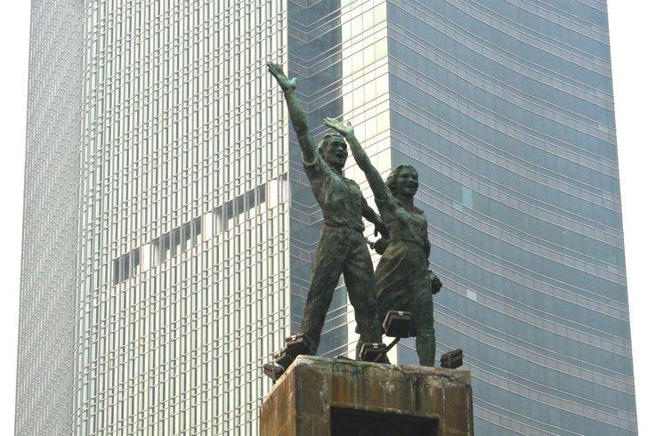 Henk, Gubernur di Balik Patung Selamat Datang dan Lambang Provinsi DKI Jakarta