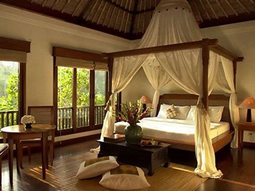 Camera da letto_baldacchino