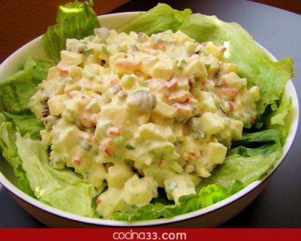 es una ensalada muy fresca y suave ideal para acompaar cualquier tipo de carnes