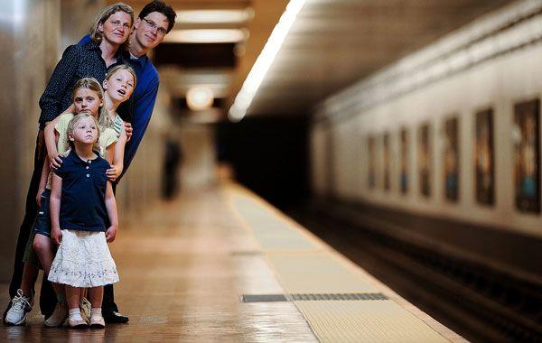 Family Photo by Dustin Polvero - 100 Inspiring Holiday Card Photos
