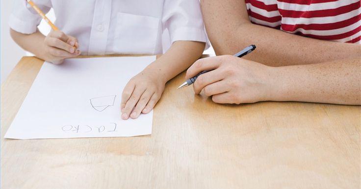 Como usar a arte para ajudar crianças com dificuldades de aprendizagem. A arte pode ajudar as crianças com dificuldades de aprendizagem a ganhar confiança em si mesmas e em suas habilidades. Educação e apreciação artística também provaram melhorar o desempenho acadêmico, construção de auto-estima e até a cicatrização interna.