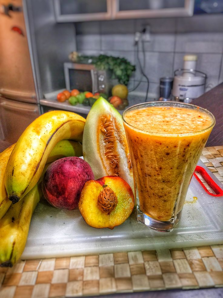#19 Ingredients (3) Click on Smoothie Image to see Full Nutri-Table Click on Smoothie Image to see Full Nutri-Table Bananas raw 100 gr, Melons cantaloupe, raw 100 gr, Peaches yellow, raw 100 gr,