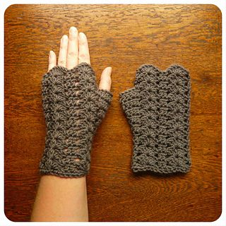 The Glorieux Mitts, with a lace pattern and sweet scalloped edging are simple and easy to make with only a small amount of 8ply/DK Weight yarn. They are perfect for using up those little bits of beautiful yarn leftover from other projects.