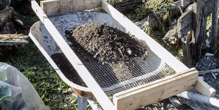 Sita pentru compost nu este greu de facut si este atat de utila, incat o folosim tot anul gradinaresc si nu numai. Daca avem in plan sa ne facem singuri compost, ceea ce este un