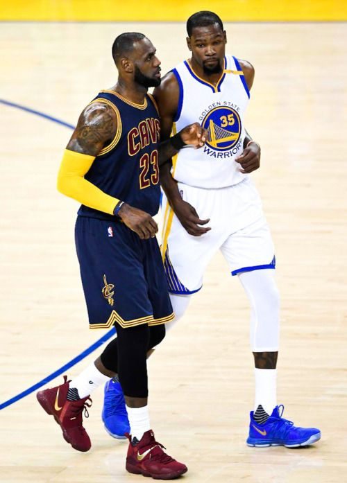 Kevin Durant and LeBron James 2017 Finals game 1
