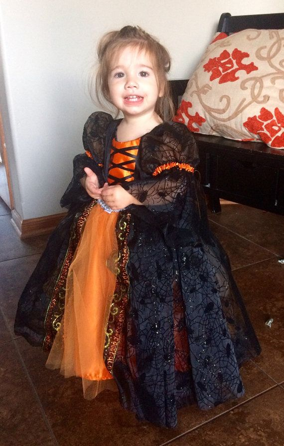 Toddler witch costume. от FluffNFlair4UrAffair на Etsy