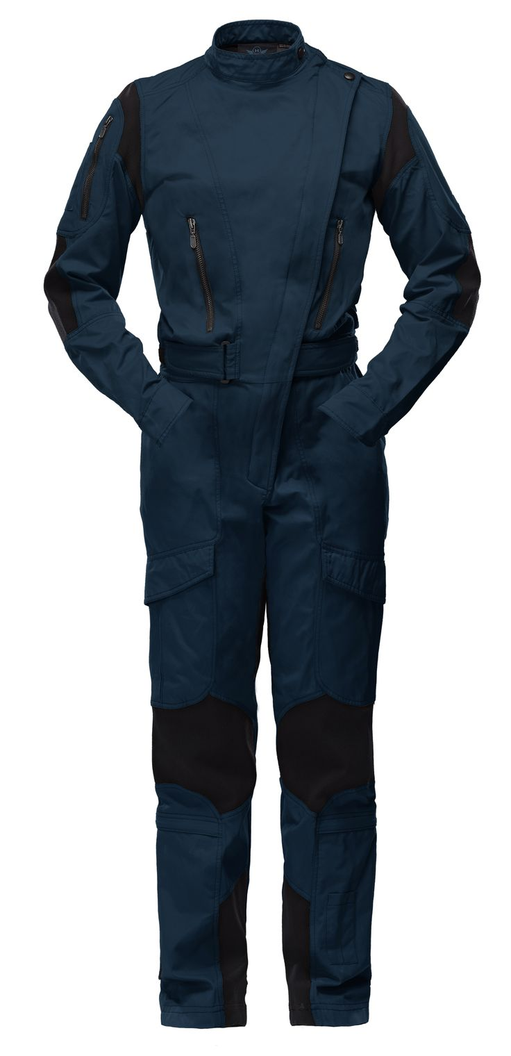 WOMEN - The Rotor flight suit was specifically adapted to the female figure. Its design and ergonomic cut translate to style and greater comfort for the wearer.