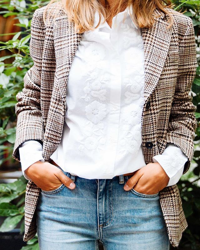 Shirt Selection available on our eshop   Sélection Shirt  dispo sur l'eshop   Checked suit jacket   Veste en laine - Barena Embroidered shirt   Chemise brodée - Merci  Bleach Flare Jeans   Jean Flare - Alexander Wang  #merci_shirts #shirts #oftd #womenfashion