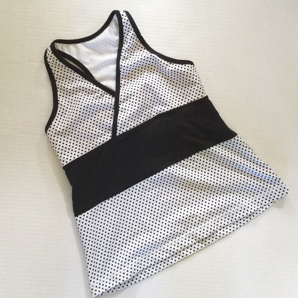 🔴CLEARANCE🔴 tank Good Preowned condition lululemon tank 4 lululemon athletica Tops Tank Tops