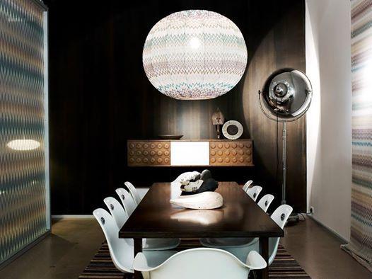 Meravigliosa lampada da terra Mariano Fortuny, versione tutta cromata. franca@contractandmore.com
