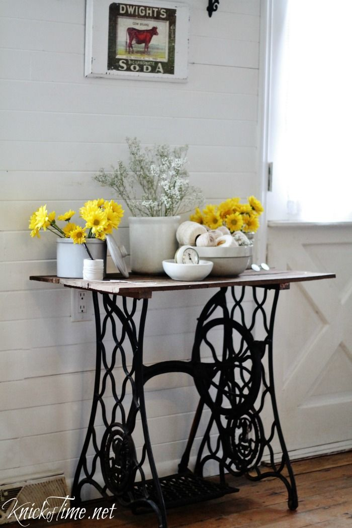 Repurposed antique sewing machine base turned into a rustic farmhouse accent table - KnickofTime.net
