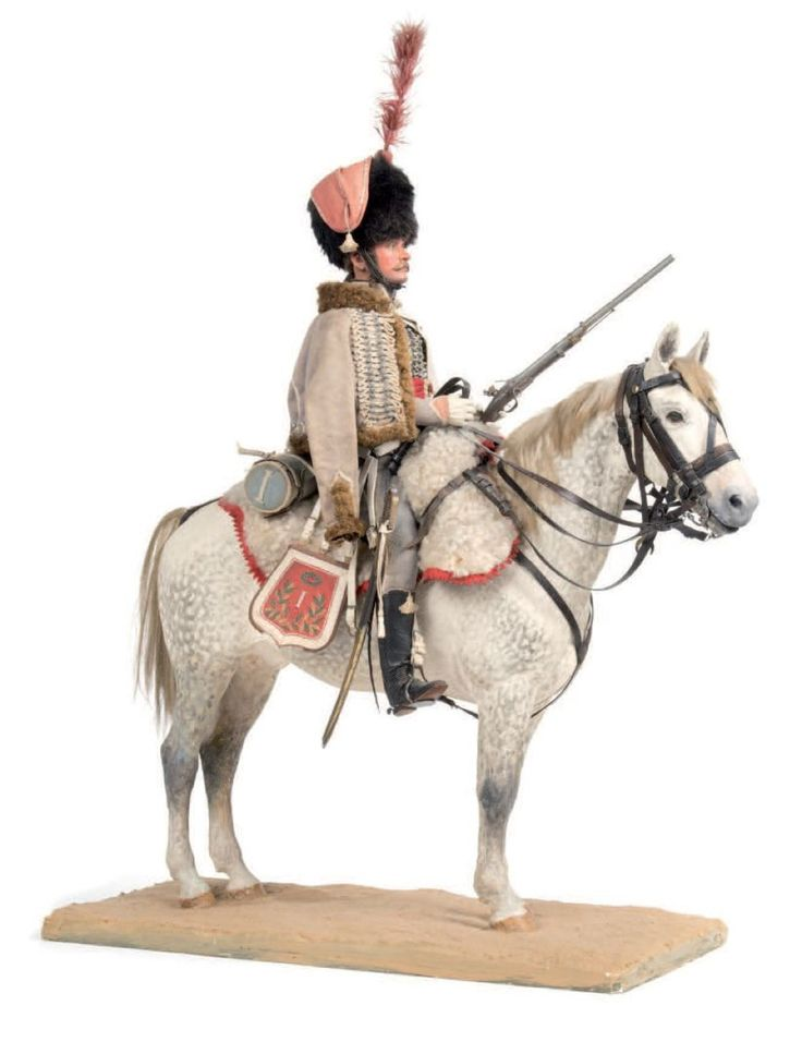 Rousselot. (L.)  1er Empire. Hussard de la compagnie d'élite du 1er régiment. Grande figurine équestre en plâtre de 40 cm, habillée de tissu, armement en métal, brides en cuir; Pièce unique réalisée dans les années 1930 - 24/04/2015