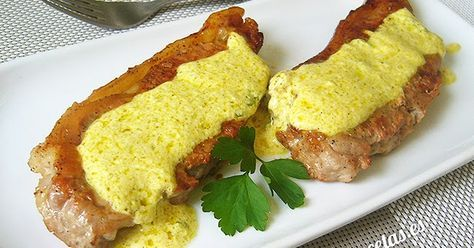 Entrecot de ternera a la plancha con salsa de yogur al curry. Receta muy fácil y…